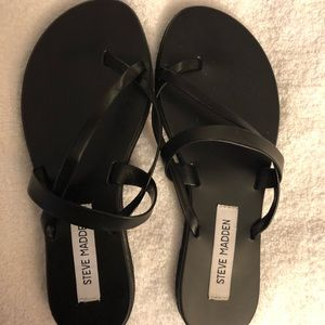 Black toe strap Sandals